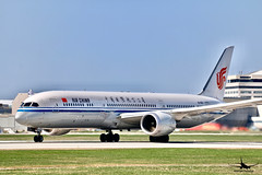 Air China Boeing 787-9 Dreamliner (William_YQB) Tags: airchina b7879 dreamliner montreal plane planespotter yul boeing boeing787 787 china air