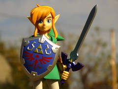 Link (lugar.citadino) Tags: exploration explorer explore discovery discover adventurer adventure photographer pro world earth landscape land sky air cloud moment autumn may morning place city cityscape urban urbanscape suburban suburbs suburb actiontoy collectibletoy toy figurine figure plastic collection material raw pvc vinyl form videogames videogame nintendo thelegendofzelda legendofzelda zelda shigerumiyamoto link ganon game alinkbetweenworlds nintendo3ds figma figmadxedition play photography photo picture image frame macro detail zoom colours colors colour