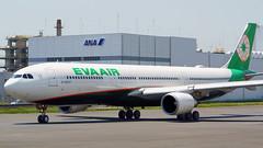 Airbus A330-302, B-16337, Eva Airways (tkosada.mac) Tags: evaairways staralliance tokyointernationalairport hanedaairport airbus a333 hnd rjtt