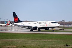 Air Canada Express Embraer 175 (William_YQB) Tags: aircanada aircanadaexpress air canada express embraer175 embraer plane planespotting montreal