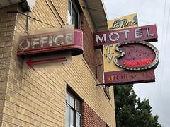 La Rue Motel (jericl cat) Tags: neon sign la rue motel bulb tv amoeba office denver colorado 2018