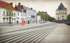 Le Broelkaai et une des deux tours Broel, Kortrijk (Courtrai) Flandre Occidentale, Belgium (claude lina) Tags: claudelina belgium belgique belgië kortrijk courtrai flandreoccidentale vlanderen ville broeltorens lestoursdubroel town architecture