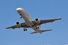 'AF14GZ' (AF1080) CDG-LHR (A380spotter) Tags: arrival landing approach finals shortfinals threshold belly embraersa embraerempresabrasileiradeaeronauticasa ejet e190 e190lr 100lr emb erj fhblc hop sociétéhopsas a5 airfrance afr af af14gz af1080 cdglhr runway27r 27r london heathrow egll lhr