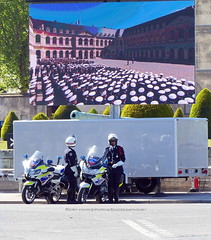 "bootsservice 19 2020363 (bootsservice) Tags: police ""police nationale"" policier policiers policeman policemen officier officer uniforme uniformes uniform uniforms bottes boots ""riding boots"" motard motards motorcyclists motorbiker biker moto motorcycle bmw"