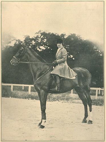 Maria Amália Pinto Bastos   portrait   1920s