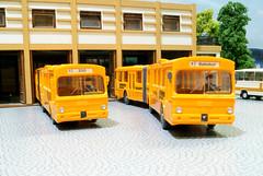 Articulateds (Stig Baumeyer) Tags: scalah0 scala187 h0 h0skala h0scale 187 echelleh0 echelle187 diorama h0layout modellbil modellauto modelcar omnibus modelbus modellbuss modellomnibus mb mercedes mercedesbenz o305 o305g mercedeso305 mercedesbenzo305g leddbuss gelenkbus articulatedbus wiking wiking187 wikingh0