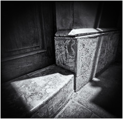 Fotografía Estenopeica (Pinhole Photography) (Black and White Fine Art) Tags: fotografiaestenopeica pinholephotography lenslesscamera camarasinlente lenslessphotography fotografiasinlente pinhole estenopo estenopeica stenopeika sténopé aristaedu100fomapan kodakd76 bn bw flickerosdelviejosanjuan sanjuan oldsanjuan viejosanjuan puertorico niksilverefexpro2 lghtroom3