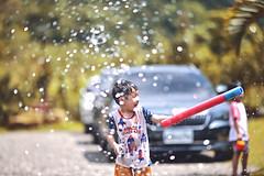 打水仗啦! (M.K. Design) Tags: taiwan yuchi nantou camping travel family life roadtrip playground outdoors water nature portrait children kid baby girl sunshine nikon nikkor z6 zmount 105mmf14e bokeh sigma 50mm f14 art primelens 台灣 南投 魚池 仙聞露營區 親子 家庭 露營 兒童 寫真 打水仗 野外 戶外 自然 人像 陽光 午後 尼康 無反 mirrorless mirrorlesscamera 無反光鏡相機 定焦鏡 大光圈 淺景深 散景