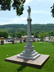 Confederate Monument (jimmywayne) Tags: alabama fortpayne ftpayne dekalbcounty historic confed confederate monument civilwar