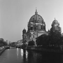 Berliner Dom (csobie) Tags: bronicasqa 50mmf35s yellowfilter k2 mediumformat film ilford hp5 120 6x6 evening night cathedral analog scan epson v600 city berlin germany