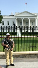 Guarding Trump: man with submachine gun, north fence of the White House, Washington, D.C. (Paul McClure DC) Tags: washingtondc districtofcolumbia may2019 people gun whitehouse security submachinegun mp5