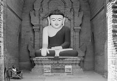 Bagan (Tangible_HTS) Tags: birmanie burma myanmar asie asia travel voyage backpacking analog pellicule film minolta srt100x srt200 rokkor f14 ilford delta100 bagan pagan temples bouddhisme buddhism noirblanc nb bw blackwhite