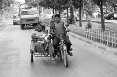 Mandalay (Tangible_HTS) Tags: birmanie burma myanmar asie asia travel voyage backpacking analog pellicule film minolta srt100x srt200 rokkor f14 ilford delta100 mandalay noirblanc nb bw blackwhite