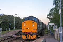 37716 arrives at Haddiscoe with 2J91 1955 Lowestoft - Norwich 11/05/19 (chrisrowe37419) Tags: 37716 drs haddiscoe eastanglia shortset 110519 2j91 1955 lowestoft norwich