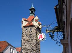 Herzogenaurach in Mittelfranken (Helmut44) Tags: bayern franken mittelfranken herzogenaurach landkreiserlangen altstadt fehnturm torturm turm historisch hauszeichen zunftschilder architektur town tower