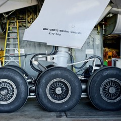 United Airlines Boeing 777-200 main landing gear. San Francisco Airport 2019. (17crossfeed) Tags: unitedairlines unitedexpress boeing 777 777200 landinggear sfo sfoov sanfranciscoairport airport aviation aircraft airplane flying flight landing 17crossfeed claytoneddy tower takeoff taxi 787 737 747 757 767 airbus americanairlines southwestairlines deltaairlines