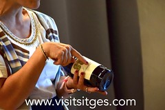 Clavells entre Malvasia, Sitges 2019 (Sitges - Visit Sitges) Tags: clavells entre malvasia hospital de sant joan sitges 2019 visitsitges corpus vinya
