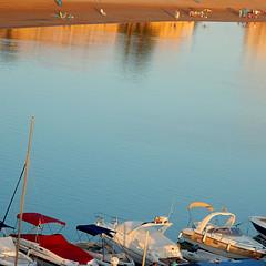 Reflejos,playa y barcos - Reflections, beach and boats (nuska2008) Tags: nuska2008 nanebotas marmenor lamanga playa atardecer barcos olympussz30mr vacaciones reflejos murcia españa beach boats