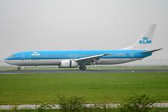 PH-BXT (PlanePixNase) Tags: amsterdam ams eham schiphol planespotting airport aircraft klm boeing 737900 b739 737