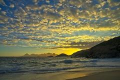 Por do Sol (mcvmjr1971) Tags: brasil f20 d800e art2435mm sunset pordosol sea riodejaneiro nikon offshore litoral niterói paraíso lenssigma mmoraes regiaooceanica azul clouds nuvens ceu brilho