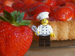 Another Year (captain_joe) Tags: toy spielzeug 365toyproject lego series17 minifigure minifig marie pastrychef köchin cook erdbeere strawberry kuchen cake