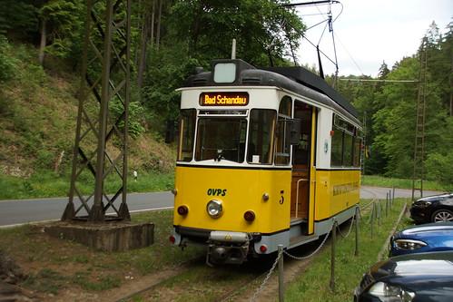 Triebwagen 3 der Kirnitzschtalbahn wendet in Lichtenhainer Wasserfall