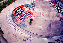 Skatepark (herbdolphy) Tags: analog analogique argentique pellicule 35mm film olympus mju2 grain skate fuji superia 400 expiredfilm expired filmisnotdead filmphotography nantes