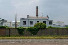 The house and the industry (jefvandenhoute) Tags: belgium belgië antwerp antwerpen petrolzuid industrialarcheology industrial