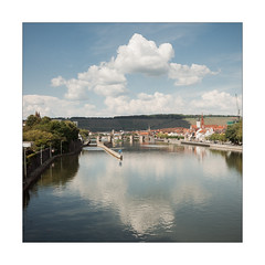 Welcome to Würzburg - Bienvenue à Würzburg (Thomas Listl) Tags: blue sky color reflection clouds 35mm river square landscape mirror town cityscape main ngc würzburg waterscape rivermain anonymousvisitor thomaslistl wolfiwolf