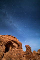 Double Arch, Arches National Park (aud.watson) Tags: america northamerica us usa utah moab doublearch archesnationalpark nightsky milkyway star stars night evening desert sandstone sand rock stone canyon canyons arch arches fin fins butte spire spires erosion