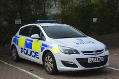 OU64 BEO (S11 AUN) Tags: thames valley police tvp vauxhall astra panda car irv incident response vehicle npt neighbourhood policing team 999 emergency ou64beo