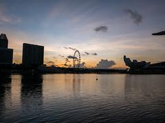 Rising sun (Thanathip Moolvong) Tags: sun rise marina bay singapore leica dlux 109