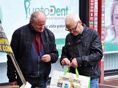 Let me show you my bargains! (Ia Löfquist) Tags: rome rom roma italy italien italia maj may