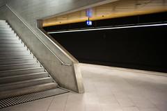 Bahnhofsarchitektur (Toni_V) Tags: m2400863 rangefinder messsucher leica leicam mp typ240 type240 35lux 35mmf14asph 35mmf14asphfle summiluxm bahnhof hb hauptbahnhof sbb cff ffs architecture architektur bahnhoflöwenstrasse zurich zürich zurigo switzerland schweiz suisse svizzera svizra europe concrete sichtbeton treppe ©toniv 2019 190525