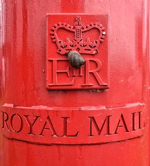 Royal Snail (Mr_Pudd) Tags: red royal snail castiron postbox crown letterbox royalmail huddersfield pillarbox slaithwaite