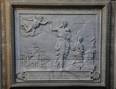 Chapelle de Chantilly 2 (.Sophie C.) Tags: chantilly 60 oise leshautsdefrance châteaudechantilly domainedechantilly chapelledechantilly patrimoinereligieux chapelle autel picardie