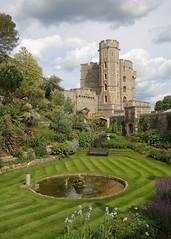 A nice little spot... (Treflyn) Tags: nice little spot moat garden windsor castle