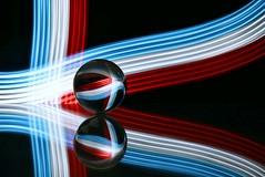 Almas gemelas (Osruha) Tags: almasgemelas ànimesbessones soulmates bola boladecristal crystal crystalball composición composició composition color colour reflejo reflexe reflections nikon nikonistas nikond750 d750