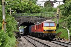 90040 & 90018 'The Pride Of Bellshill' Preston Brook Tunnel (Paul Baxter 362) Tags: class90 90040 90018 theprideofbellshill dbcargo dbc 4m25 prestonbrooktunnel prestonbrook westcoastmainline wcml