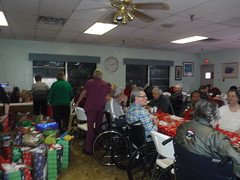 2018_1209_150712AA (saginawumc) Tags: 2018 lwnh christmas sumc lake worth nursing home party