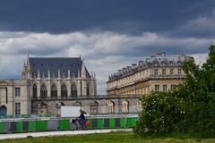Château de Vincennes (Jeanne Menjoulet) Tags: château vélo vincennes esplanadesaintlouis