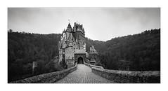 Burg Eltz Panorama (W.Utsch) Tags: linhof techorama612pc 400 plustek opticfilm120 kodak tmax lenstagger