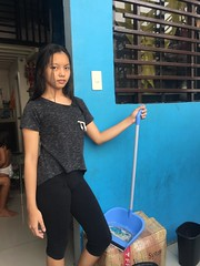 Ashley cleaning :) (ghostgirl_Annver) Tags: asia asian girl teen ashley sister daughter cleaning family portrait beautiful