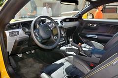 Ford Mustang 5.0 GT (États-Unis) (Cletus Awreetus) Tags: automobile car ford mustang 50 gt voiture sport intérieurdevoiture tableaudebord volant dashboard levier cadran pédale jaune