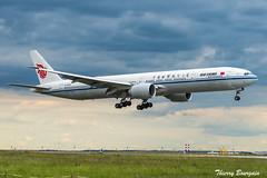 [CDG] Air-China Boeing 777-300ER _ B-1266 (thibou1) Tags: thierrybourgain cdg lfpg spotting aircraft airplane nikon d810 boeing b773 airchina b1266 landing tamron sigma boeing777 b777300er b777300 staralliance