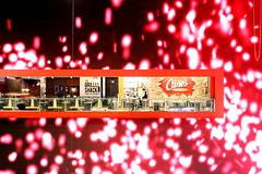MORE DUBAI MALL (André Pipa 2) Tags: dubai eua dubaimall downtowndubai uae unitedarabemirates asia arabia arabicpensinsula middleeast consumismo consumerism shoppingtempledubai