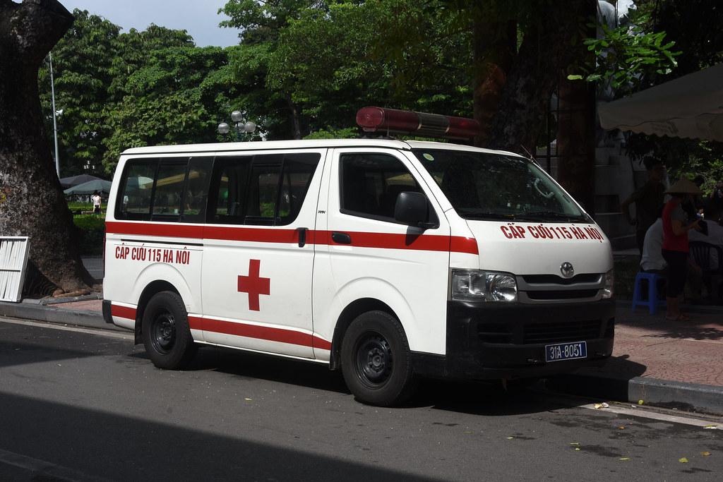 Машина скорой помощи Вьетнама государственной