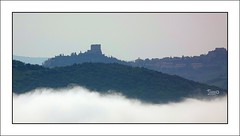 Nebbie mattutine (10) (Jambo Jambo) Tags: castiglionedorcia panorama landscape campagna countryside valdorcia siena toscana tuscany italia italy sonydscrx10m4 jambojambo nebbia fog castello castle