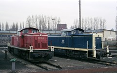 290 389 + 291 094 Osnabrück (A. Lippincott) Tags: betriebswerk osnabrück rbf db bundesbahn eisenbahn railway lok diesel baureihe 290 291 niedersachsen
