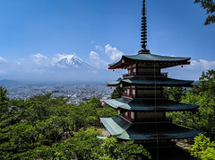 A classic view - Japan (Gwenael B) Tags: fuji japan pagode temple classic landmark pixel3 googlepixel sky landscape japon travel voyage